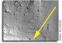 Boulder Tracks on Mars