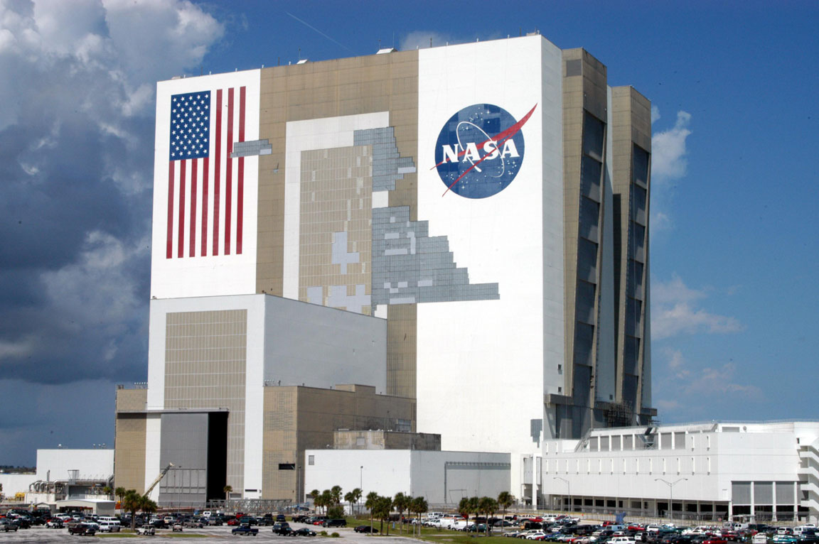 Nasa Ksc S Vehicle Assembly Building Back In Business