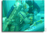 ESA astronaut goes underwater to test European Robotic Arm