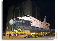 Discovery Rolls to Vehicle Assembly Building for Mate to STS-114 Tank and Booster Rockets Tuesday