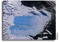 Collapse of Antarctic Ice Shelf Unprecedented