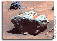 Spirit Finds Possible Meteorite in Columbia Hills (False Color)
