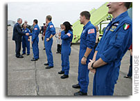Photo: President Bush Greets Space Shuttle Discovery Astronauts