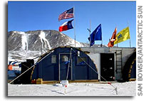 Scientists go online to educate public about Antarctica