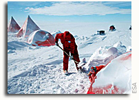 ESA Scientists spend a white Christmas in Antarctica