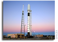 SpaceX's Falcon 9 on Launch Pad at Cape Canaveral (with photos)