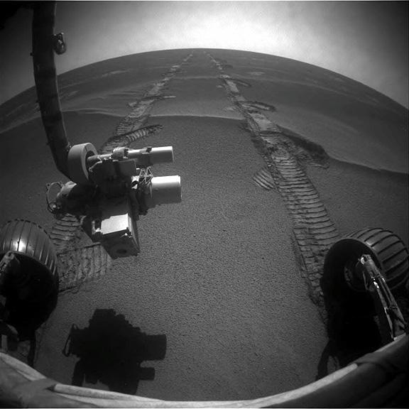 http://images.spaceref.com/news/2010/1F336547569EFFAO1RP1205R0M1.jpg