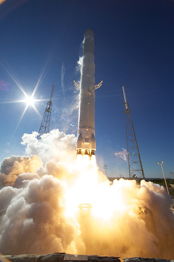 dragon.launch.4.jpg