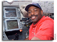 NASA Selects Astronaut Leland D. Melvin to Lead Office of Education