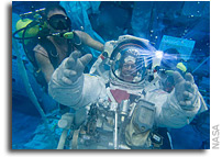 Image: Extravehicular Mobility Unit Training for Expedition 28