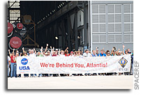 Photos: KSC Workers Gather To Wish Atlantis Well