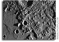 MESSENGER Image of Mercury: Peaks in Caloris Basin
