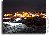 Antarctic stations exchange greetings, look forward to the return of the sun