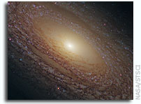 Hubble Telescope Shows New Image of Spiral Galaxy NGC 2841