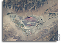 Photo: Owens Lake in California As Seen From the International Space Station