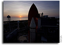 Image: Seaside Sunrise With Space Shuttle Discovery on the Pad