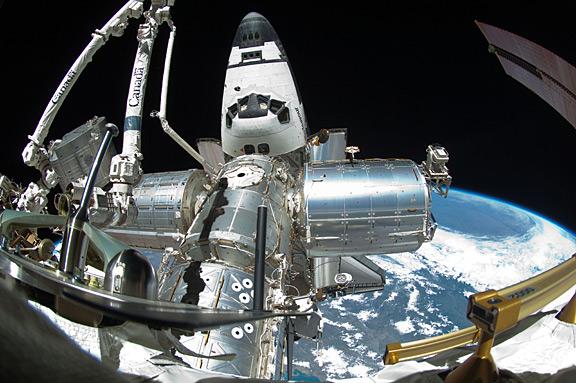 [STS-134] Endeavour: Déroulement de la mission.   - Page 6 Ooiss028e005638