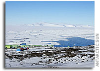 Open water: Break-up of sea ice in McMurdo Sound