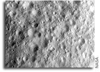 Image: Cratered terrain in Vesta's equatorial region