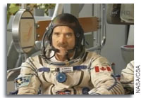 Chris Hadfield Signs-off on his final Soyuz Qualification Exam