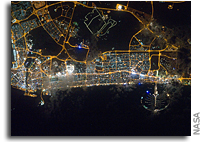 Images: City of Dubai, United Arab Emirates at Night As Seen From Orbit