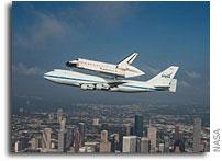 Image: Space Shuttle Endeavour Over Houston, Texas