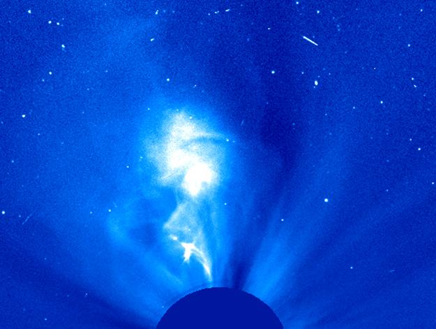 Solar Flare Pushes Plasma Cloud Toward Earth
