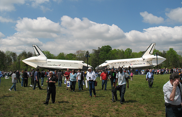 NASA Transfers Shuttle Discovery to National Air and Space ...