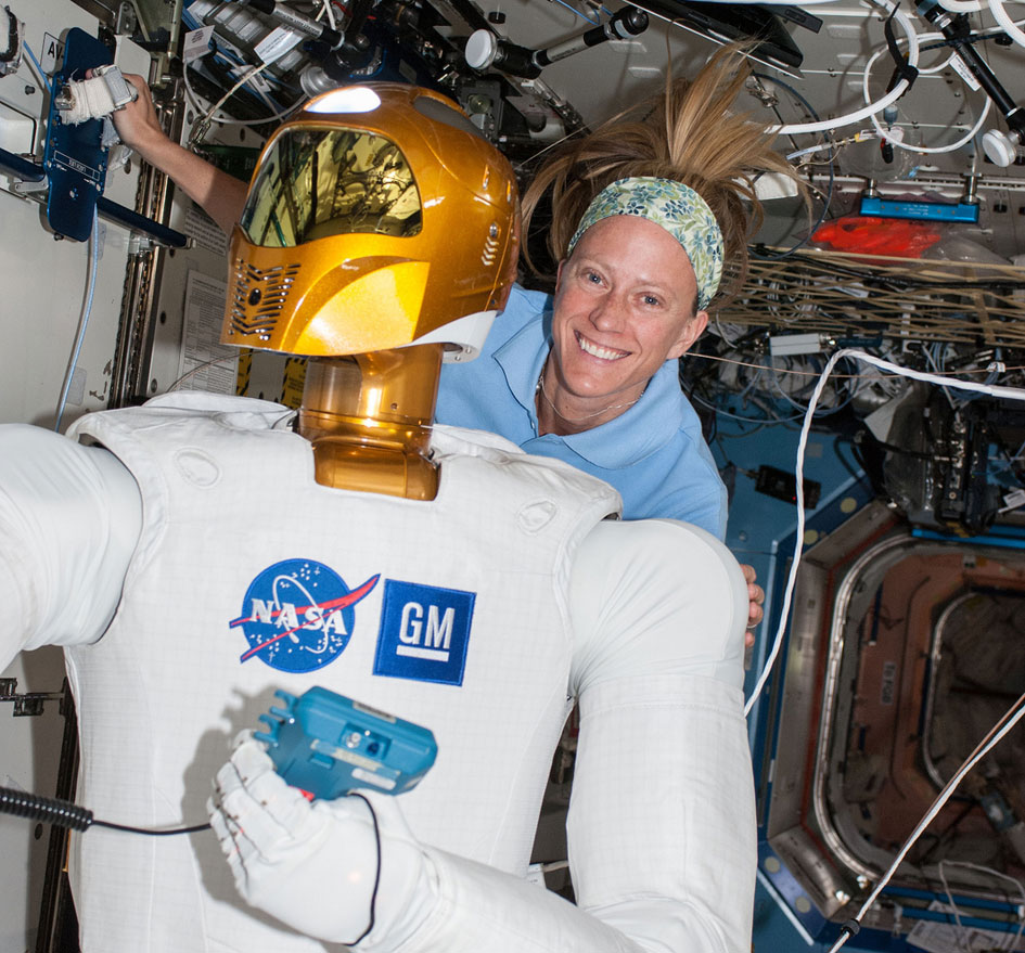 http://images.spaceref.com/news/2013/robonaut_iss_945.jpg