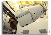 SpaceX to Unveil Dragon V2 for Manned Spaceflight Thursday