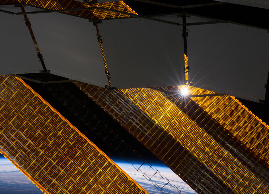 Space Station Solar Panels - And The Sun - SpaceRef