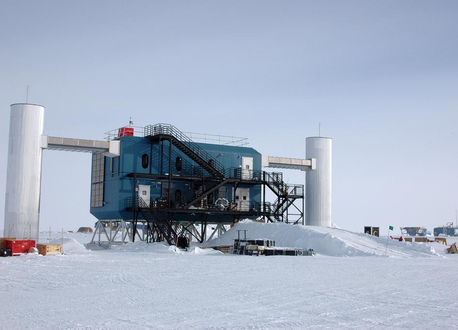 Busy Maintenance Summer Under Way for IceCube Neutrino ... Icecube Neutrino Observatory Antartica