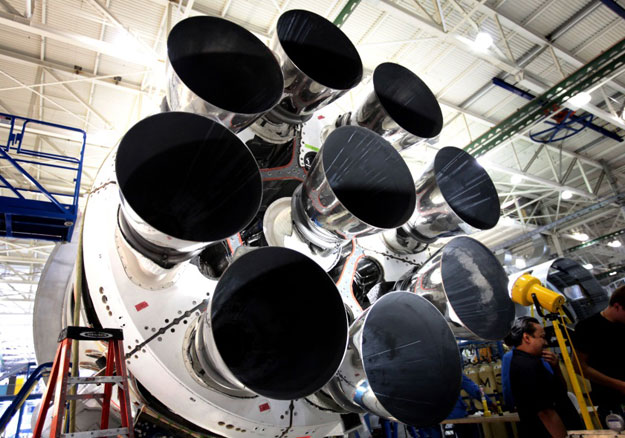 integration into the Falcon 9 first stage octaweb engine structure