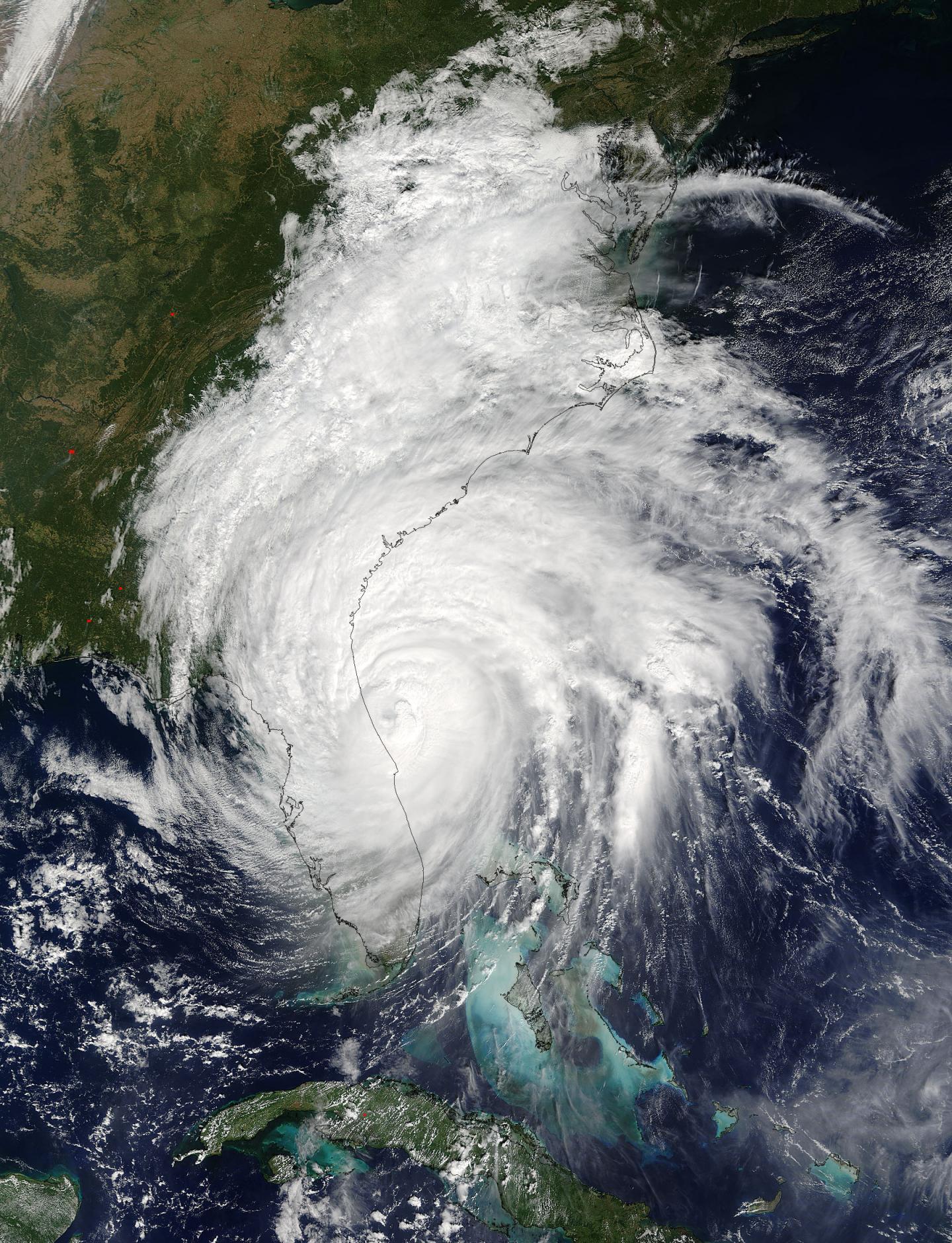 nasa looks at major hurricane matthew u0026 39 s winds  clouds