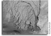 Early Ice Breakup of Beaufort Sea Due to Early Warm Temperatures
