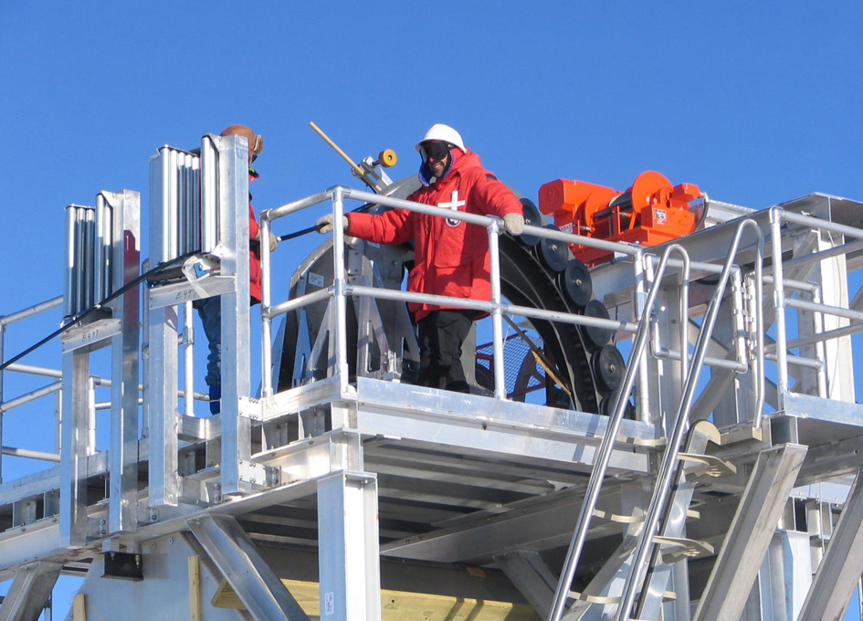 South Pole Detector Shows Success at Neutrino Hunting