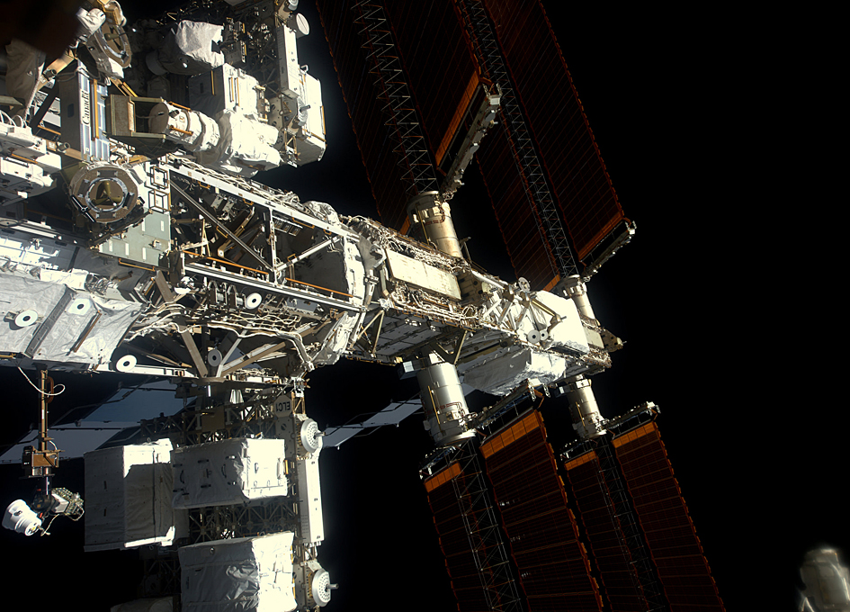 Side View Of The International Space Station - SpaceRef