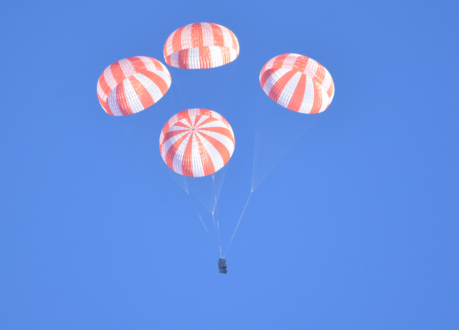 SpaceX Tests Crew Dragon Parachutes