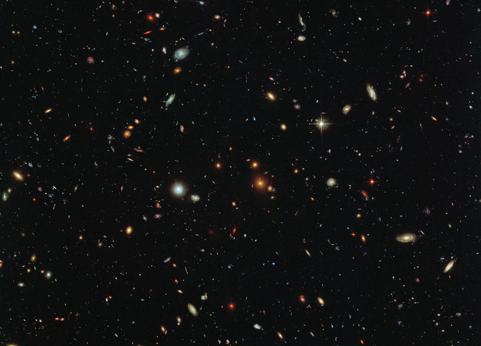 Hubble Sees a Legion of Galaxies - SpaceRef