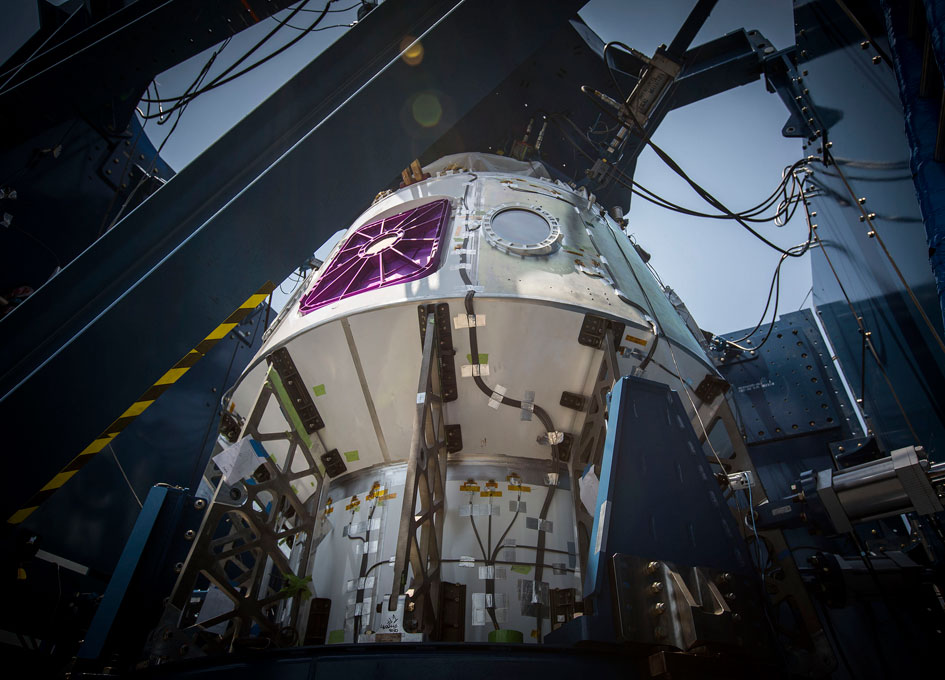 SpaceX Crew Dragon Test Article Undergoes Tests