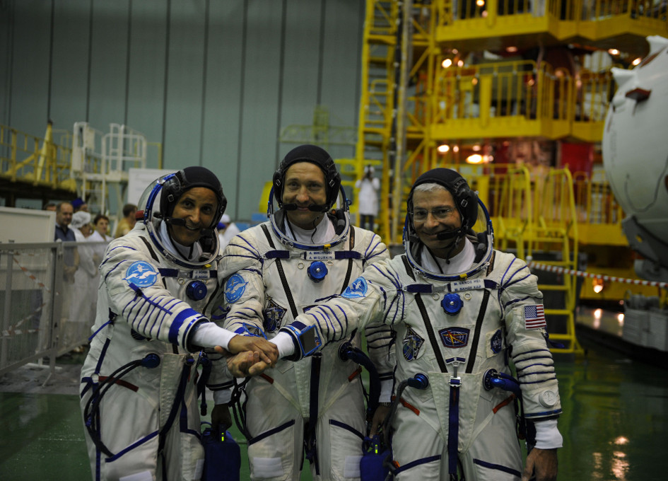 international space station astronauts waiting for their ride home - photo #13