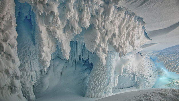 Antarctica Mysterious Caves: Is Life Exists beneath the Ice?