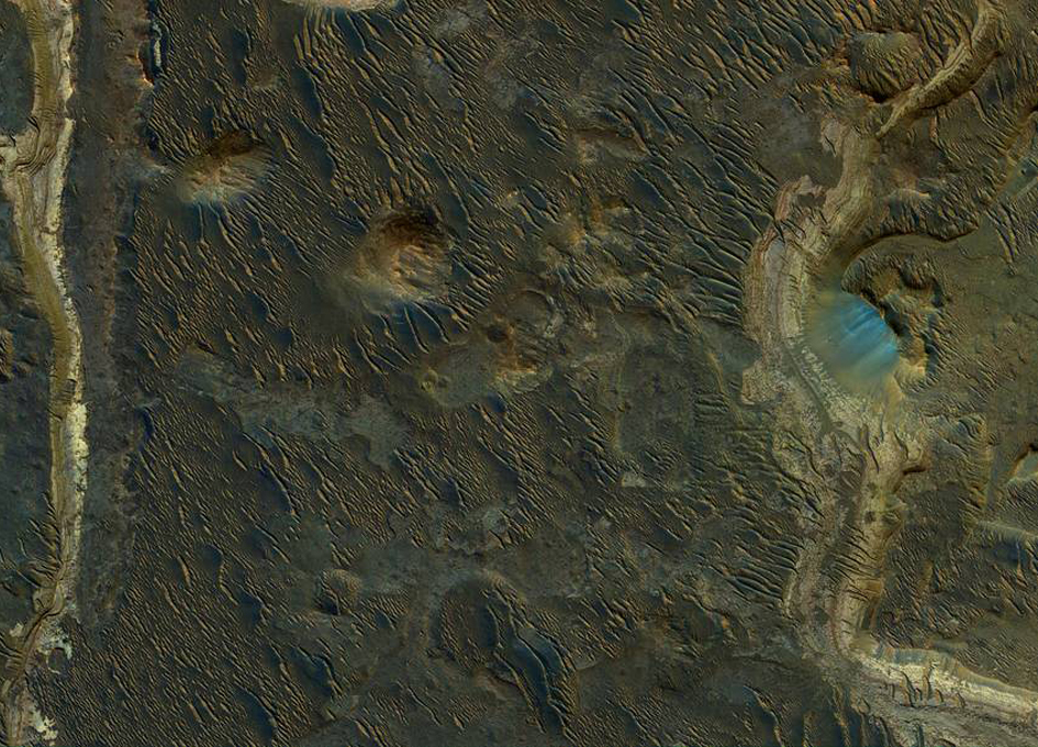 Lakebeds in Holden Crater on Mars