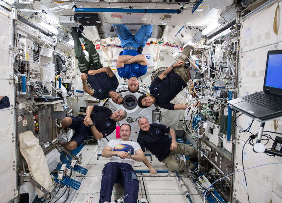 international space station astronauts waiting for their ride home - photo #10