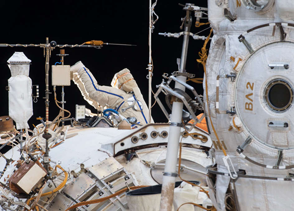 Cosmonauts throw out the garbage as they improve Worldwide Area Station