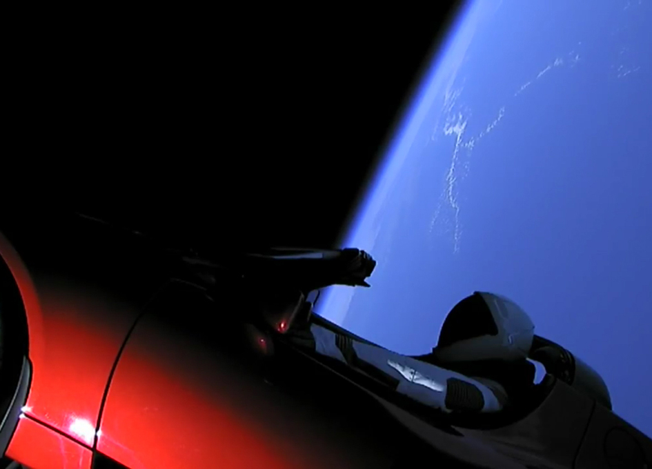 SpaceX Falcon Heavy Roars Into Space
