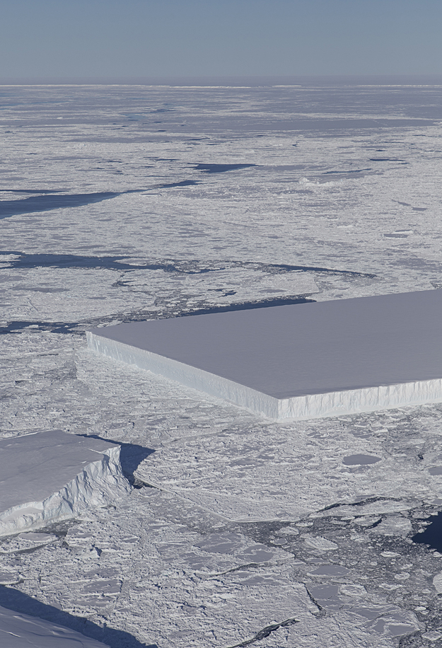 http://images.spaceref.com/news/2018/tab_iceberg_harbeck-sm.jpg
